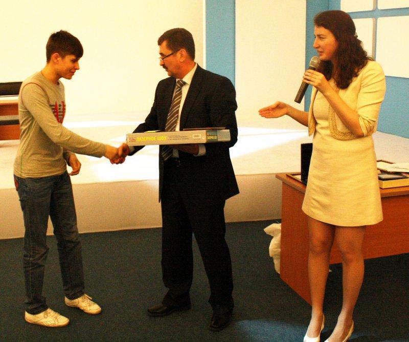 Фото к Прикоснись к науке!  Под таким девизом завершил свою работу второй региональный фестиваль науки и техники в Калининградской области!