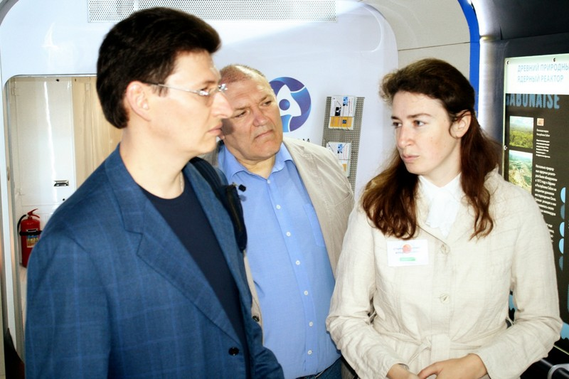 Фото к «Поезд Инноваций» - интересно и школьнику и министру!