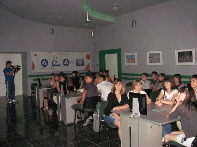 Фото к Школьники из ближайшего к Ростовской АЭС села посетили региональный инфоцентр по атомной энергии