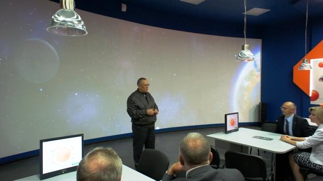 Фото к Саратовский информцентр по атомной энергии принял первых гостей