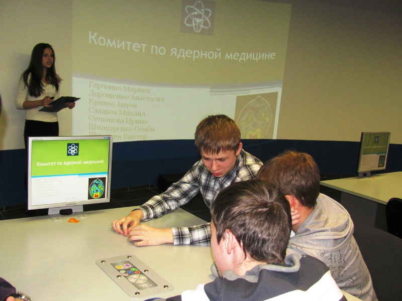 Фото к  Итоги просветительского проекта  «Атомный парламент» подведены в Томске