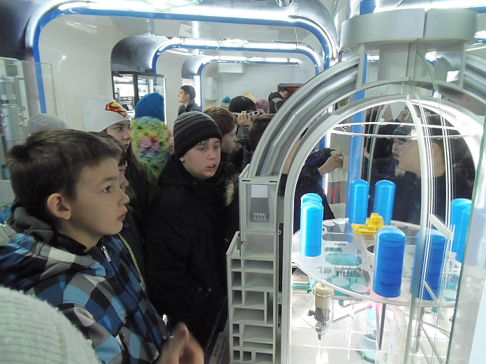 Фото к Более 5 тысяч жителей Мурманска посетили «Поезд инноваций»