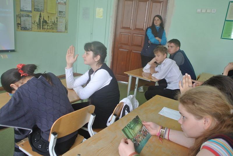 Фото к «Евгений Онегин» или «Властелин колец»: школьники Екатеринбурга обсудили с олимпийской чемпионкой  волейбол и литературу