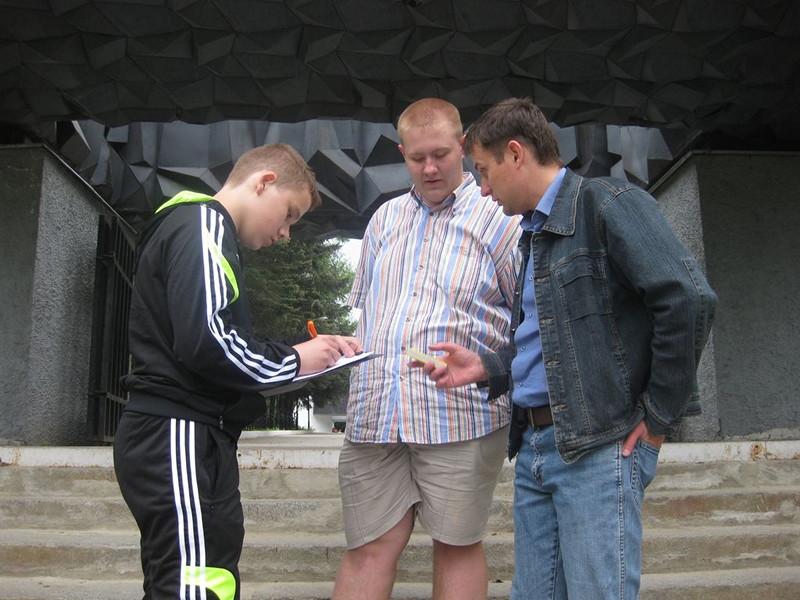 Фото к Участники «Атомного велопробега» во Владимире убедились: уровень радиации — в норме