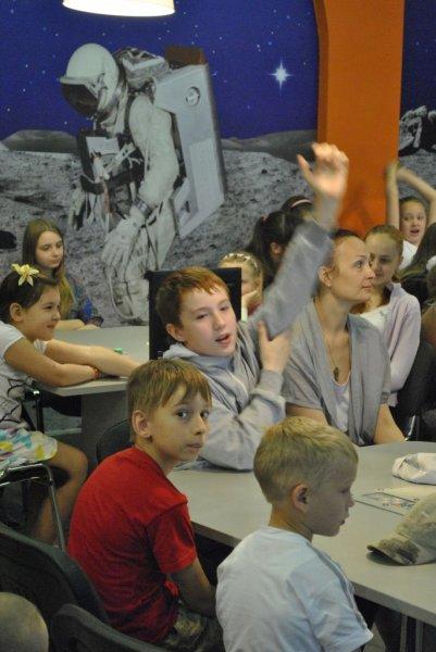 Фото к Информационный центр по атомной энергии провел олимпийский урок, посвященный встрече Огня XXVII Всемирной летней Универсиады во Владимире