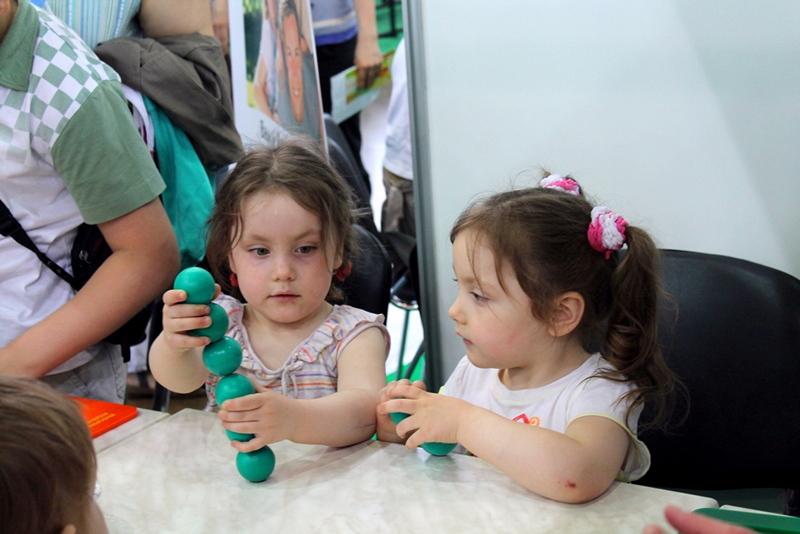 Фото к Более трех тысяч жителей  Санкт-Петербурга посетили экспозицию информационного центра по атомной энергии на выставке «Спортлэнд»