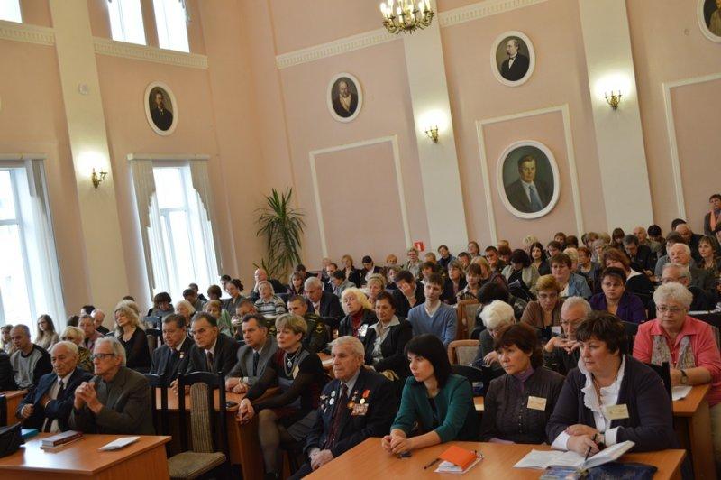 Фото к Информационный центр по атомной энергии Смоленска выпустил собственный исторический фильм к юбилею города