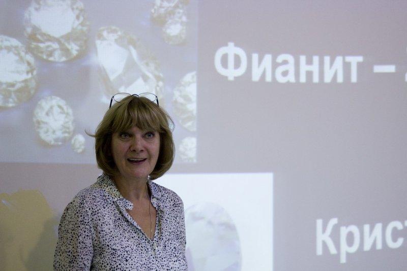 Фото к Химия по-новому: педагоги Владимира получили подарочный мастер-класс от Любови Стрельниковой