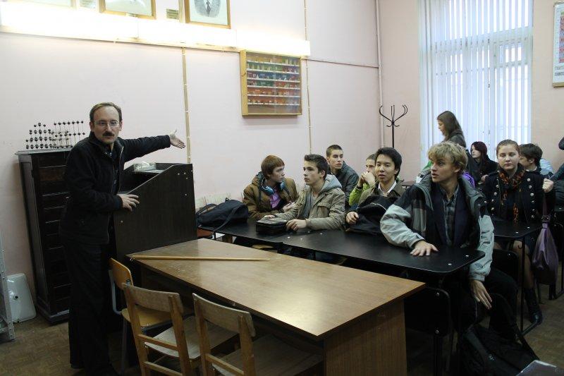 Фото к Более 2,5 тысячи школьников посетили Фестиваль науки в информационном центре по атомной энергии Санкт-Петербурга