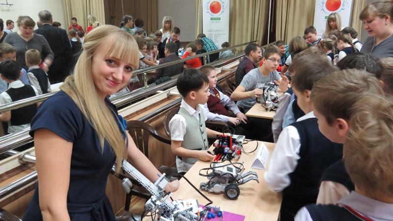 Фото к Премьера спектакля роботов состоялась в Томске