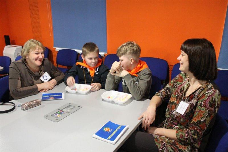 Фото к 1 сентября начинается 15 марта: в информационном центре по атомной энергии Санкт-Петербурга открылась «Академия нескучных наук»