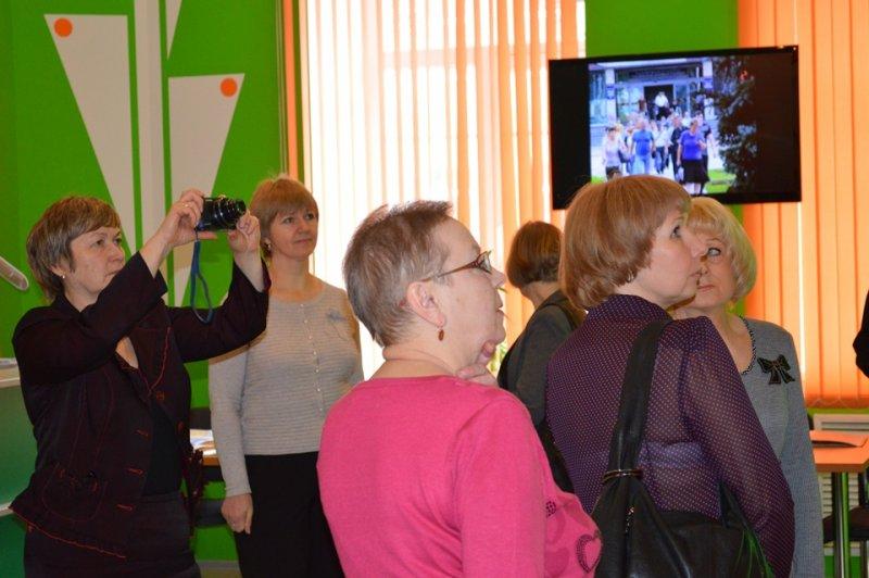 Фото к Руководители СМИ Смоленской области встретились с губернатором и посетили информационный центр по атомной энергии