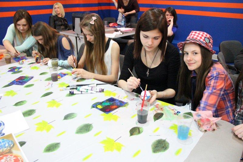 Фото к «Пасхальная радость»: участники кастинга NucKids и красноярские артисты поддержали благотворительную акцию