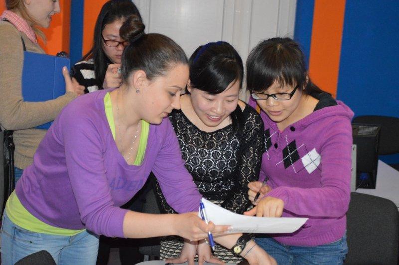 Фото к От Николая Асеева до Мао Цзэдуна: российско-китайский поэтический диалог в информационном центре по атомной энергии Смоленска