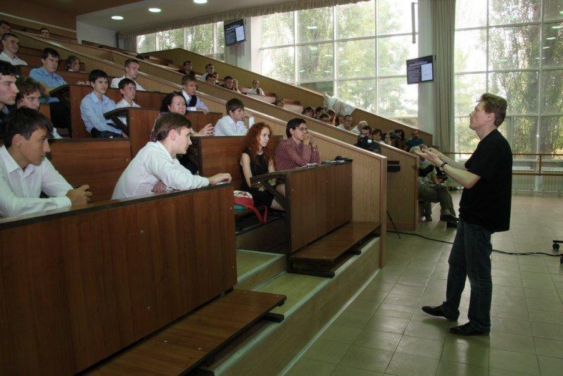 Фото к Более 200 человек приняли участие в сессии федерального проекта «Энергия науки» в Ростове-на-Дону