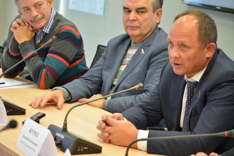 Фото к В ИЦАЭ Красноярска подвели итоги визита делегации Федерального Собрания на предприятия атомной отрасли