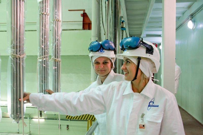 Фото к Информационный центр по атомной энергии Смоленска посетила делегация Республики Беларусь
