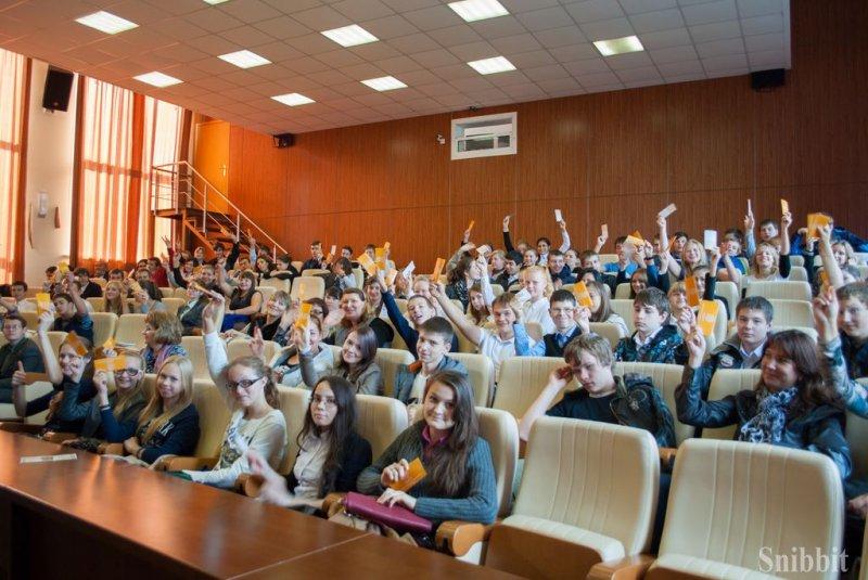 Фото к «Мотивируйте через исследования!»: во Владимире прошла серия встреч Любови Стрельниковой и Генриха Эрлиха со студентами, школьниками и педагогами