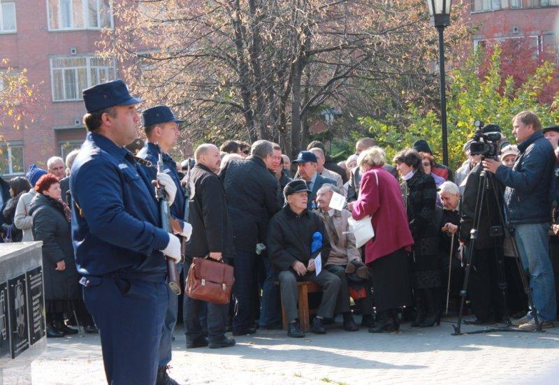 Фото к Первый в России монумент «Покорителям атома» появился в Новосибирске