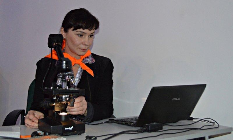 Фото к Мастерская знаний «ПУПС»: в ИЦАЭ Смоленска открыли большой мир маленьких клеток