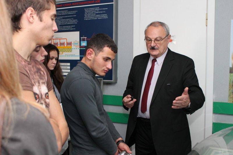 Фото к Более 1000 школьников из 23 городов Ростовской области поучаствовали в Фестивале технических знаний и творчества молодежи Дона