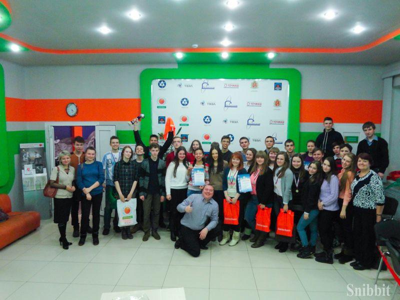 Фото к «Грааль» стал обладателем кубка: в ИЦАЭ Владимира завершился 3 городской школьный чемпионат по командной «Своей игре»
