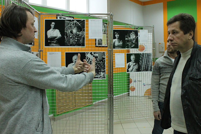 Фото к Фотовыставка «Наука крупным планом» открылась в ИЦАЭ Новосибирска