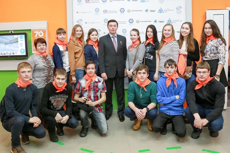 Фото к Космос как мечта: в ИЦАЭ Екатеринбурга состоялась встреча с космонавтом Сергеем Ревиным