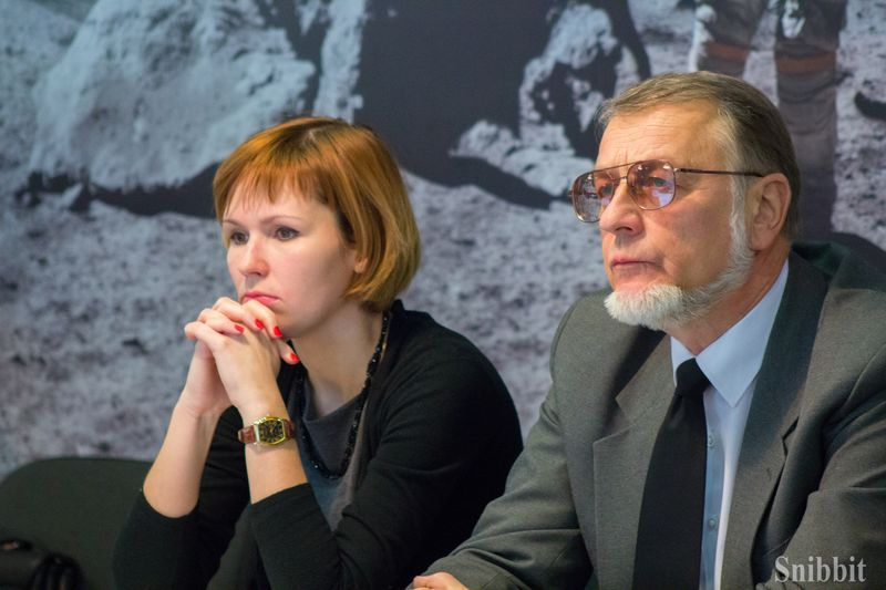 Фото к Миф об ананасе, инопланетные вирусы и тайны подземных океанов: более ста человек во Владимире зарядились «Энергией науки»