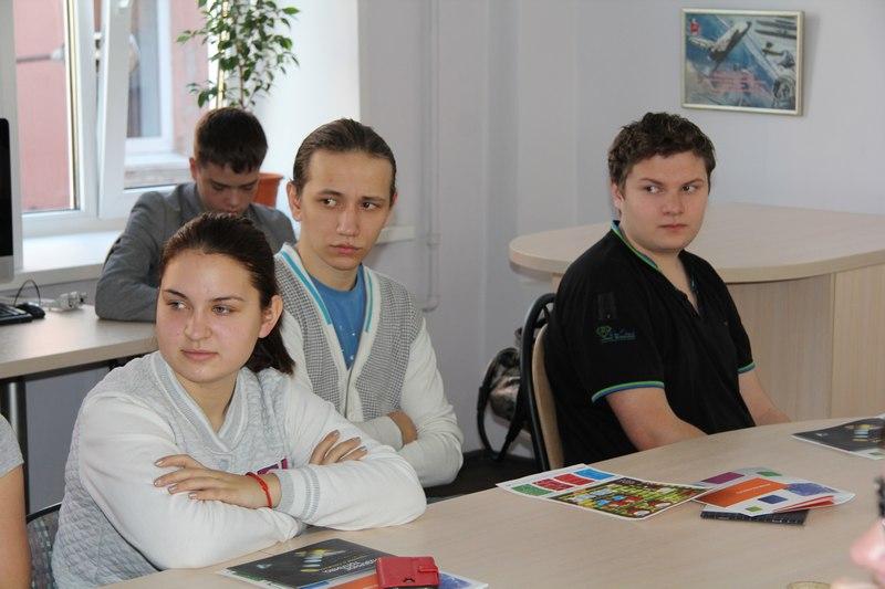 Фото к Технология прототипирования и домашние роботы: школьники и студенты Нижнего Новгорода стали участниками Недели высоких технологий