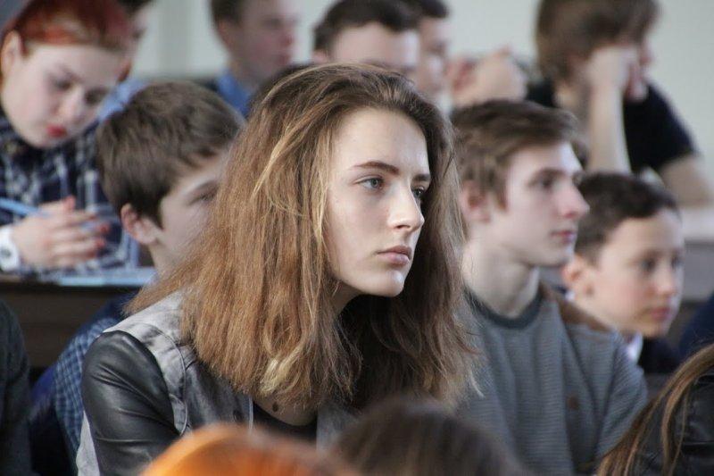 Фото к Более 500 калининградцев стали первыми участниками Фестиваля науки «Грани будущего: рисует Калининград»