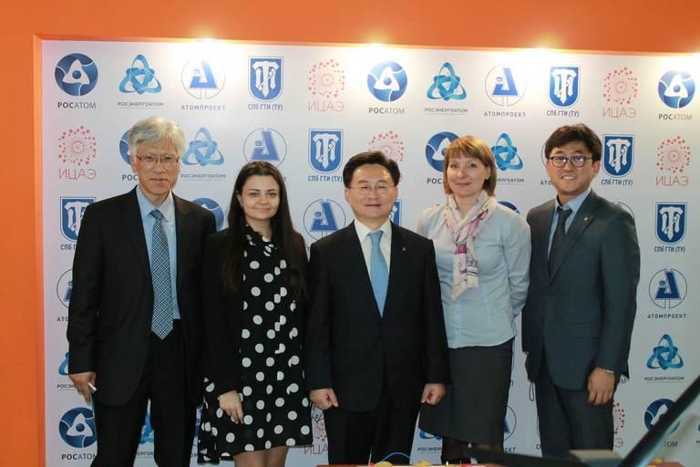 Фото к ИЦАЭ Санкт-Петербурга посетила иностранная делегация