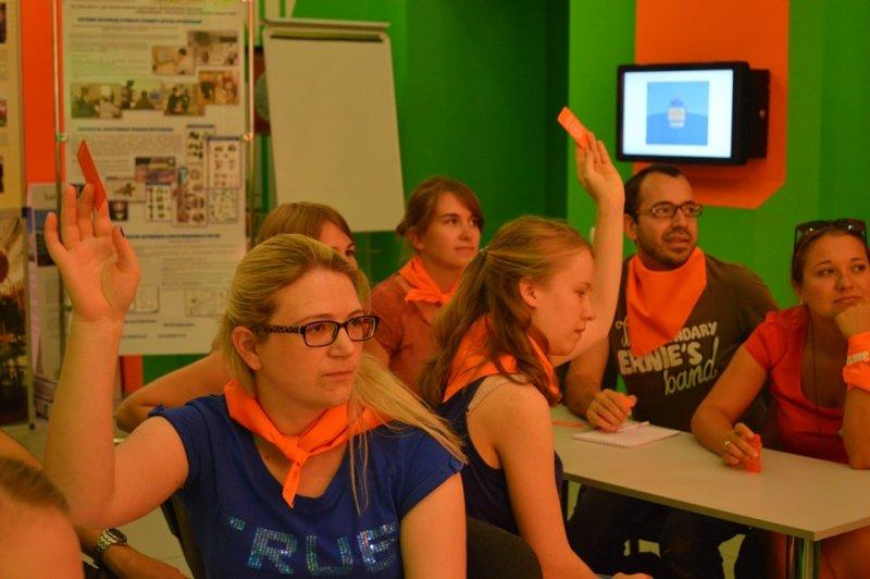 Фото к Наука без границ: ИЦАЭ Смоленска посетили студенты из Германии