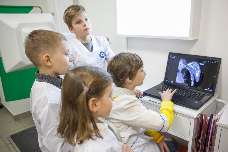 Фото к Мастерские «Росатома» в «Мастерславле» глазами детей: «это покруче космических войн».
