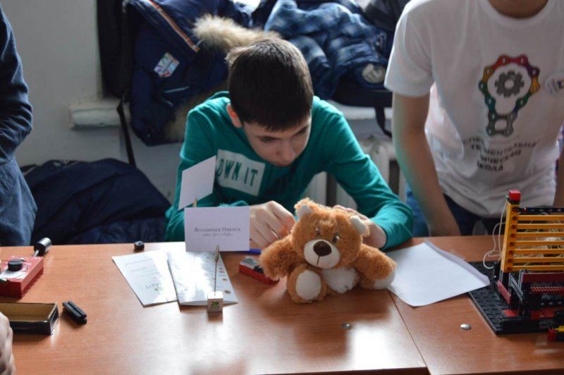 Фото к ИЦАЭ Воронежа принял участие в фестивале «РОБОАРТ 2016»