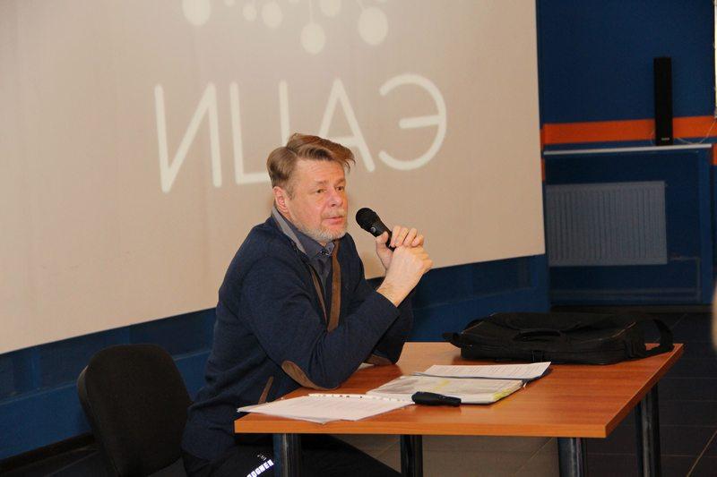 Фото к «Урок мужества»: нижегородские студенты встретились с участником ликвидации аварии на ЧАЭС
