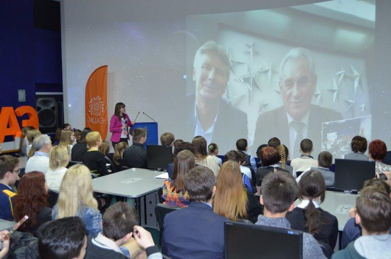 Фото к Более двух тысяч школьников стали участниками «космических» мероприятий сети информационных центров по атомной энергии
