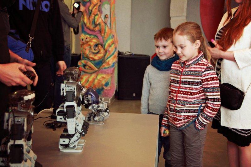 Фото к От нейронауки и робототехники до исследования космоса: в Красноярске впервые прошла «Ночь науки»