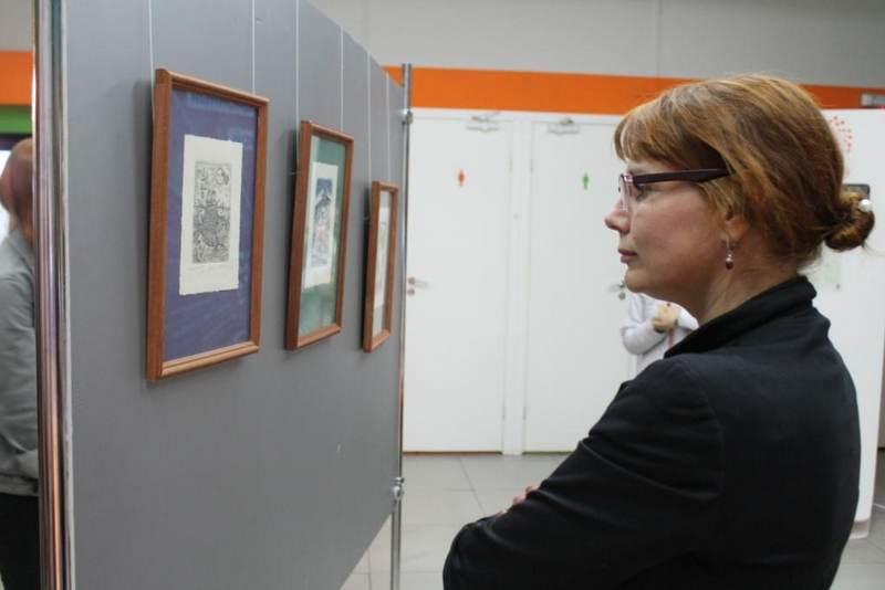Фото к Два взгляда на лёд: в Петербурге открылась выставка об Арктике