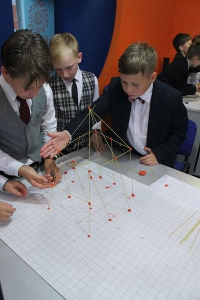 Фото к День знаний российские школьники встретили с информационными центрами по атомной энергии