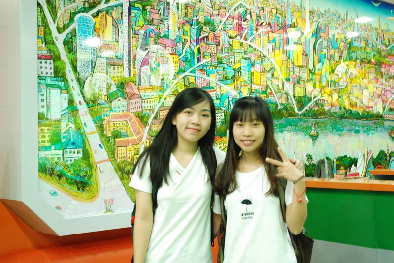 Фото к Более 400 ханойских студентов прошли квест «Великие изобретения и открытия»