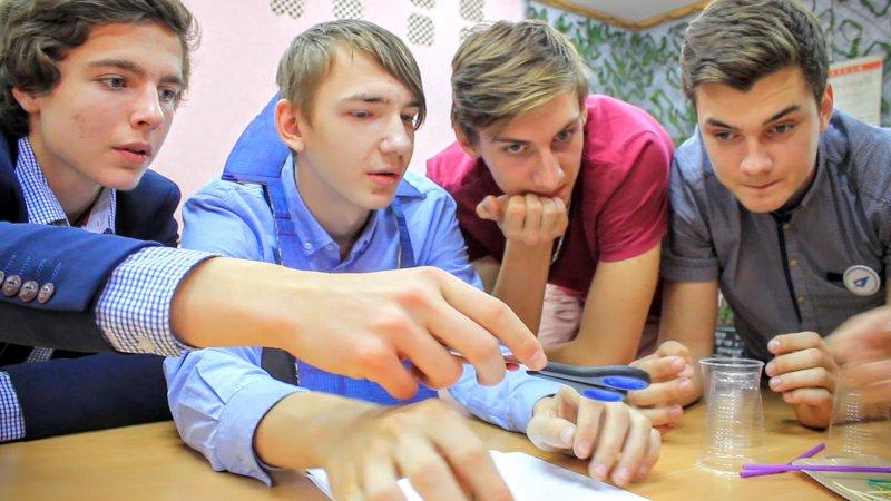 Фото к День лицеиста: в Магнитогорске прошли соревнования инженеров-изобретателей