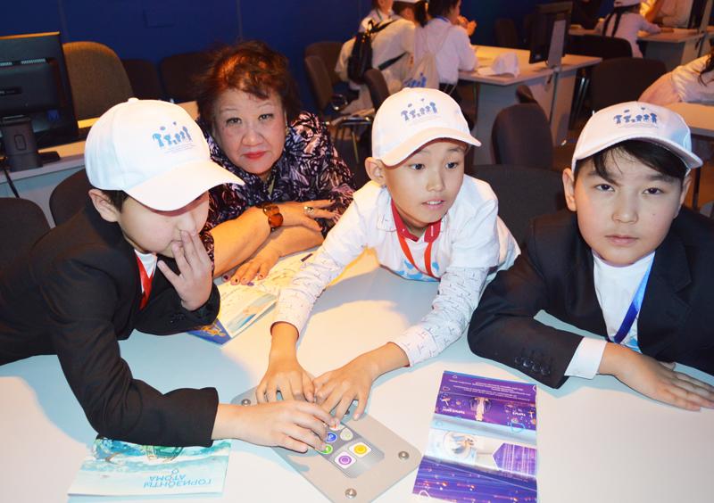 Фото к Казахстан, дружественный ребенку: ИЦАЭ Астаны стал участником международной конференции