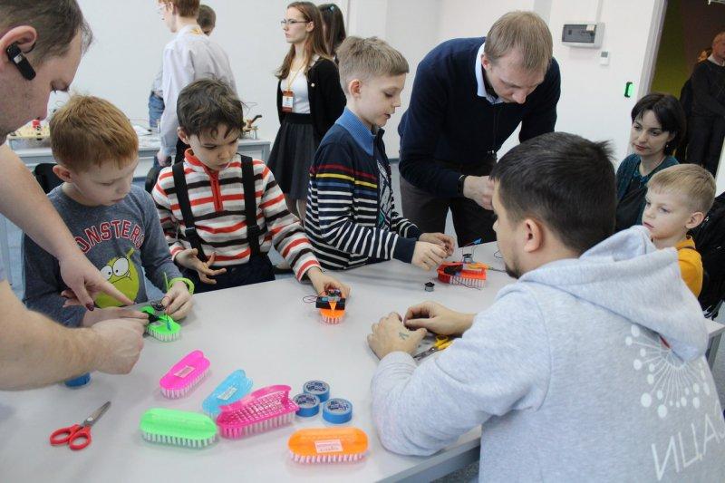 Фото к Технологии будущего: ИЦАЭ Екатеринбурга стал участником городского фестиваля